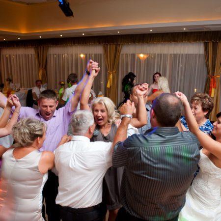 Mulatás – vidámság – esküvői játékok